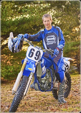 picture-boy-dirt-bike